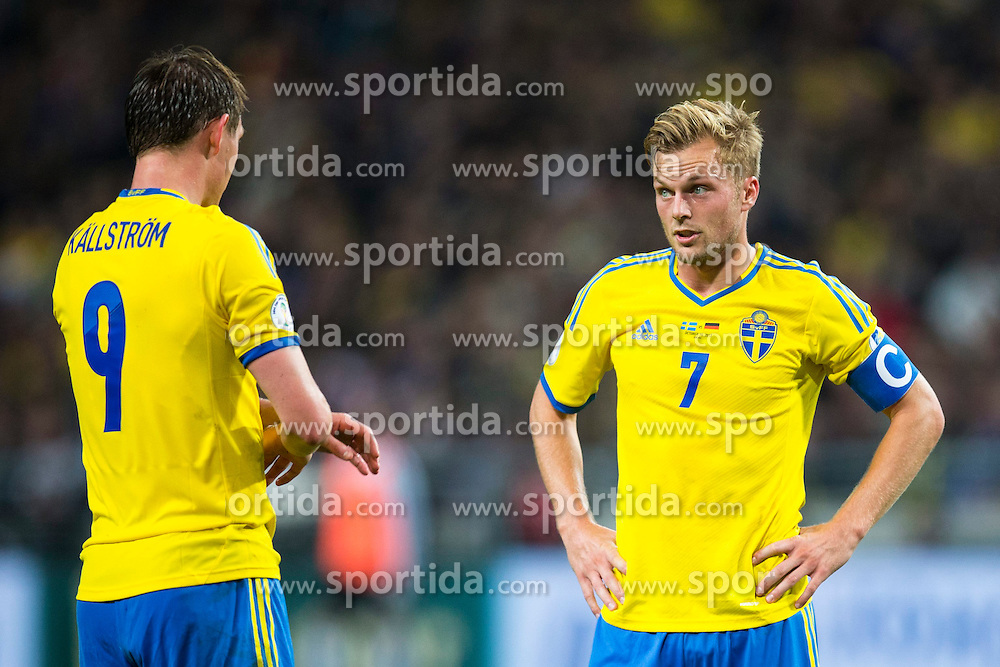 15.10.2013, Friends Arena, Stockholm, SWE, FIFA WM Qualifikation, Schweden vs Deutschland, Gruppe C, im Bild, Sverige 7 Sebastian Larsson speaks with Sverige 9 Kim K&auml;llstr&ouml;m // before taking a free kick.  // during the FIFA World Cup Qualifier Group C Match between Sweden and Germany at the Friends Arena, Stockholm, Sweden on 2013/10/15. EXPA Pictures &copy; 2013, PhotoCredit: EXPA/ PicAgency Skycam/ Michael Campanella<br /> <br /> ***** ATTENTION - OUT OF SWE *****