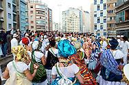 SÃO PAULO - CORTEJO AFRO - 20/10/2012 - COTIDIANO -  Integrantes do Grupo Cangarussu, realizam a primeira edição do Cortejo Afro em comemoração ao dia da consciência negra. O Cortejo foi realizado no Elevado Presidente Costa e Silva, o Minhocão, que é uma via expressa elevada da cidade de São Paulo, Brasil, que liga a região da Praça Roosevelt, no centro da cidade ao Largo Padre Péricles, em Perdizes. FOTO: DANIEL GUIMARÃES/FRAME