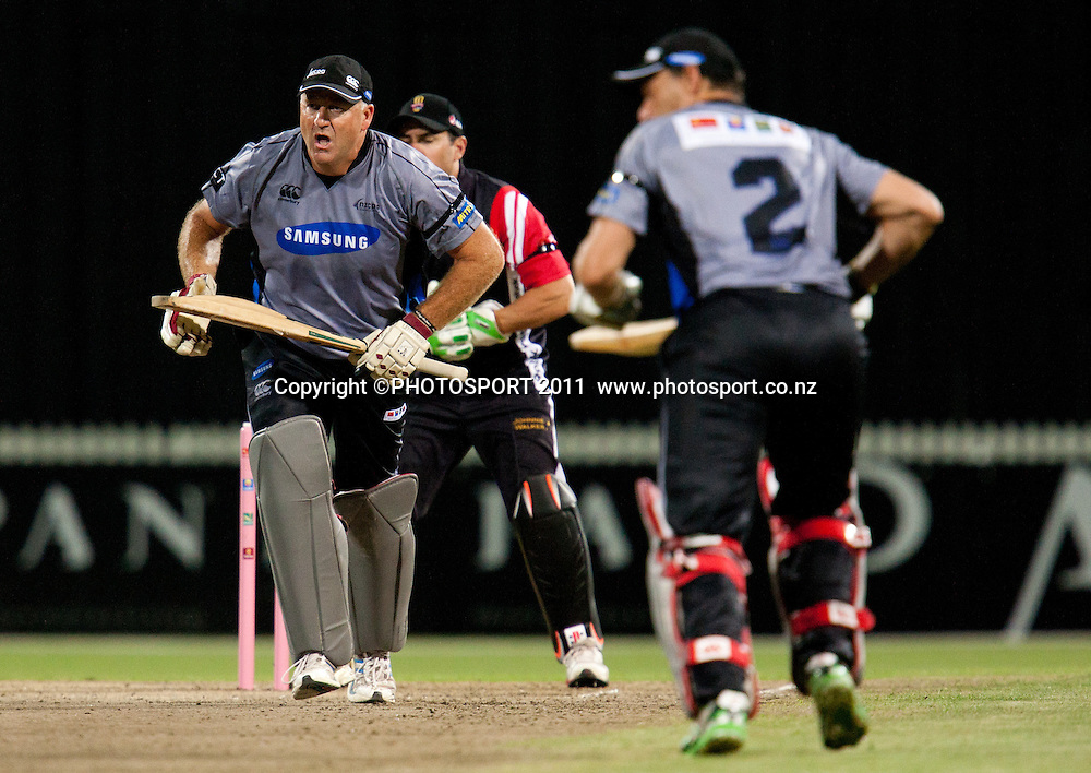 Mark Greatbatch makes runs during the Titans International Twenty20 Cricket, Samsung NZCPA Masters XI v Australia, Seddon Park, Hamilton, New Zealand, Thursday 24 February 2011. Photo: Stephen Barker/PHOTOSPORT