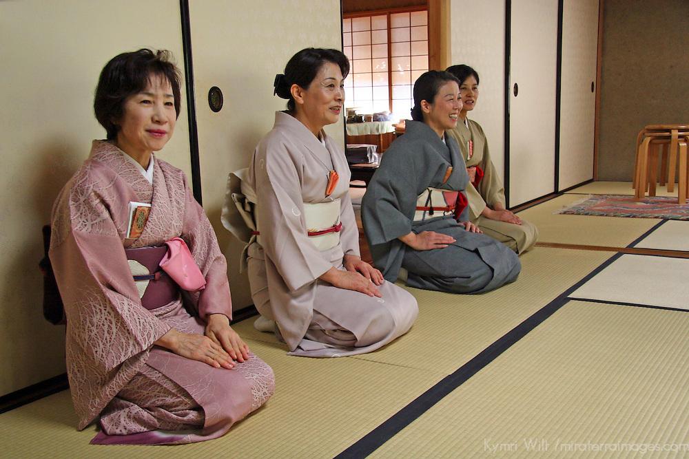 Asia, Japan, Kyoto. Japanese home visit hostesses.