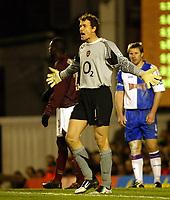 Photo: Chris Ratcliffe.<br />Arsenal v Blackburn Rovers. The Barclays Premiership.<br />26/11/2005.<br />Jens Lehmann shouts instructions