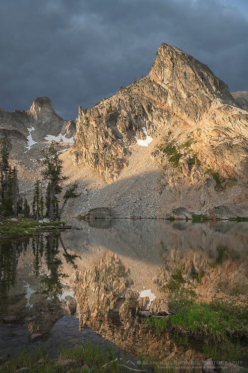 Twin Lakes and Peak 9,923 Alice-Toxaway Lakes Loop Trail Sawtooth Mountains Idaho