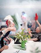 Repas dansant à l'occasion de la Fête du Travail. Salle des Fêtes de Vignacourt, 80650, Picardie, France. 01.05.2001.