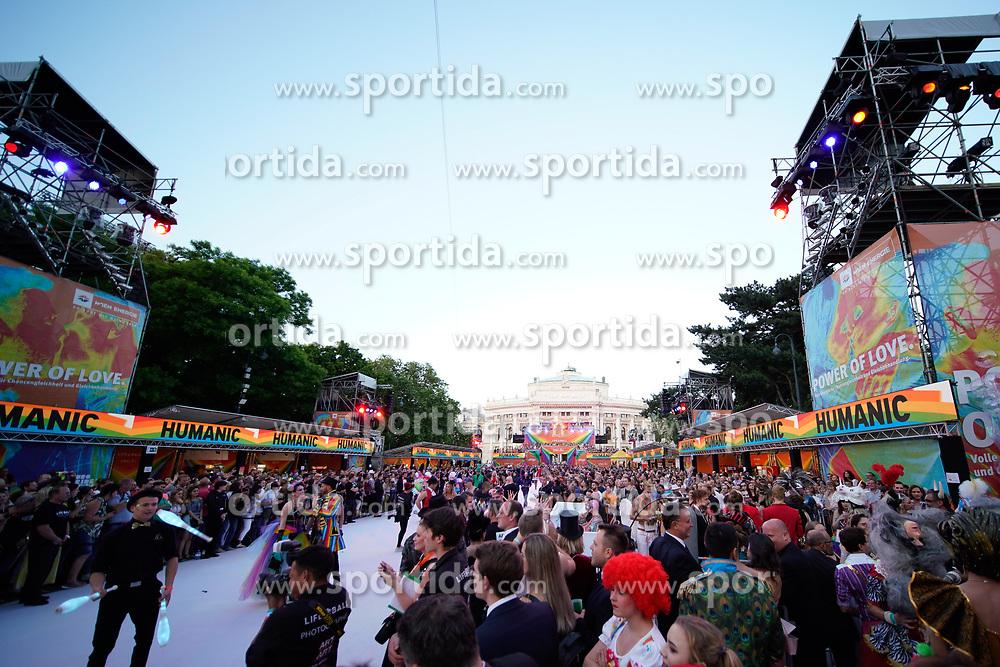08.06.2019, Rathaus, Wien, AUT, Life Ball im Bild Uebersicht ueber den Rathausplatz // during the Life Ball at the Rathaus in Wien, Austria on 2019/06/08. EXPA Pictures © 2019, PhotoCredit: EXPA/ Florian Schroetter