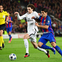 (L-R) Adrien Rabiot of PSG and Luis Suarez of Barcelona during the Uefa Champions League Round of 16 second leg match between FC Barcelona and Paris Saint Germain at Camp Nou on March 8, 2017 in Barcelona, Spain. (Photo by Dave Winter/Icon Sport)