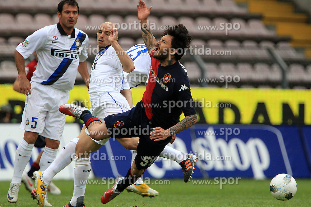07.04.2012, Stadion Sant Elia, Cagliari, ITA, Serie A, Cagliari Calcio vs Inter Mailand, 31. Spieltag, im Bild Mauricio Pinilla Cagliari // during the football match of Italian 'Serie A' league, 31th round, between Cagliari Calcio and Inter Mailand at Sant Elia stadium, Cagliari, Italy on 2012/04/07. EXPA Pictures © 2012, PhotoCredit: EXPA/ Insidefoto/ Paolo Nucci..***** ATTENTION - for AUT, SLO, CRO, SRB, SUI and SWE only *****