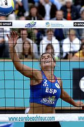 25-08-2006: VOLLEYBAL: NESTEA EUROPEAN CHAMPIONSHIP BEACHVOLLEYBALL: SCHEVENINGEN<br /> Lozano, Clara  (SPA)<br /> &copy;2006-WWW.FOTOHOOGENDOORN.NL