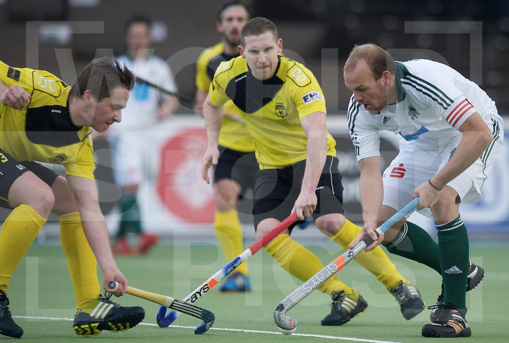 Amstelveen - Euro Hockey league KO16.HC Uhlenhorst Mulheim vs Glynhill Hotel Kelburne.foto: Thilo Stralkowski (white) and David Forsyth (left, yellow).FFU PRESS AGENCY COPYRIGHT FRANK UIJLENBROEK.