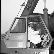 NLD/Hilversum/19890202 - Minister Eelco Brinkman opent Gooilandcomplex Hilversum