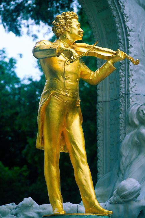 Statue of Johann Strauss, Stadt Park (City Park), Vienna, Austria