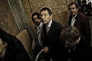 Ignazio Marino, candidato sindaco del Partito Democratico a Roma, entra al teatro Capranica per incontrare i propri elettori. Roma, 28 maggio 2013. Christian Mantuano /  Oneshot
