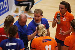 06-10-2012 VOLLEYBAL: TOPDIVISIE VROUWEN KING SOFTWARE VCN - LONGA 59 : CAPELLE AAN DEN IJSSEL<br /> Jeroen Peeters, Coach of Longa 59 geef instructies tijdens een time-out.<br /> ©2012-FotoHoogendoorn.nl / Pim Waslander