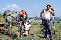 Bulgarie, Paysan dans la campagne // Bulgaria, farmer on the countryside