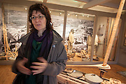 Franziska Rüttimann,  Leder Norsk kvernsteinsenter i Hyllestad. Her i kvernsteinutstillingen til Selbu bygdemuseum.