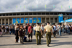 Spectators going to the evening session during day four of the 12th IAAF World Athletics Championships at the Olympic Stadium on August 18, 2009 in Berlin, Germany. (Photo by Vid Ponikvar / Sportida)
