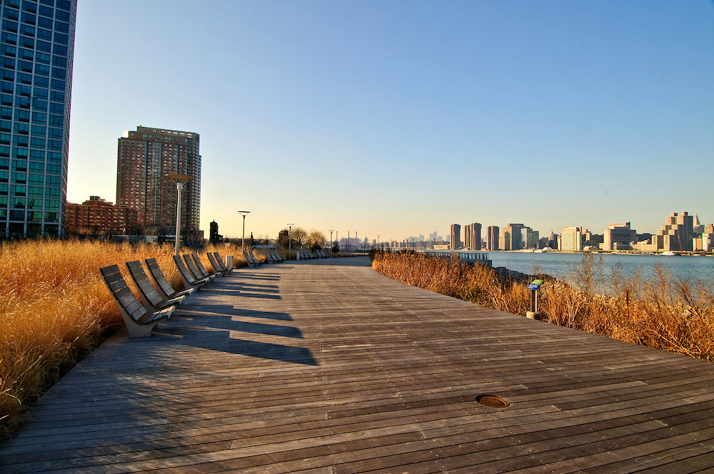 Gantry Plaza State Park, Long Island City, Queens, NYC, NY, Benches