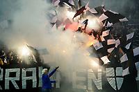 Fotball , Eliteserien 2018 , <br /> 16.09.2018 , 20180916<br /> Vålerenga - Rosenborg<br /> Borteseksjonen med bluss og flagg før kampen<br /> Foto: Sjur Stølen / Digitalsport