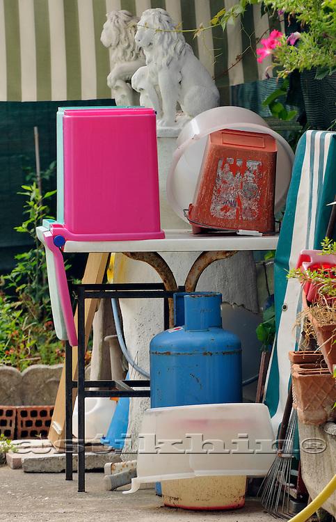Color of Italian back yard