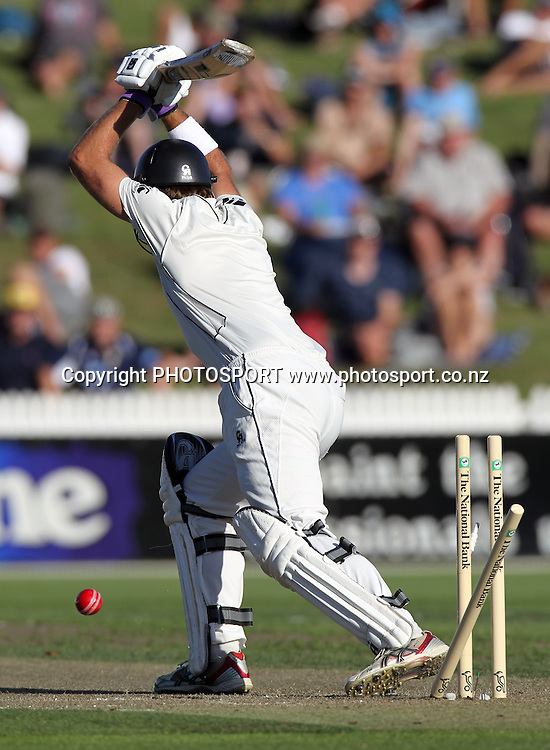Tim McIntosh is clean bowled by Doug Bolliinger.<br />
