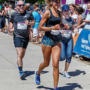 NLD/Amsterdam/20180701 - Evers staat op Run 2018, finish Amara Onwuka