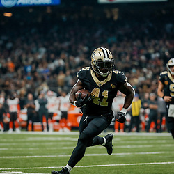 Sep 16, 2018; New Orleans, LA, USA; New Orleans Saints running back Alvin Kamara (41) runs against the Cleveland Browns during the first quarter of a game at the Mercedes-Benz Superdome. Mandatory Credit: Derick E. Hingle-USA TODAY Sports