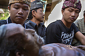 Indonesia: Cremation in Bali