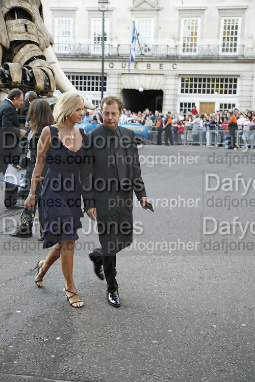 Elizabeth Murdoch and Matthew Freud, Ark Gala Dinner, Marlborough House, London. 5 May 2006. ONE TIME USE ONLY - DO NOT ARCHIVE  © Copyright Photograph by Dafydd Jones 66 Stockwell Park Rd. London SW9 0DA Tel 020 7733 0108 www.dafjones.com