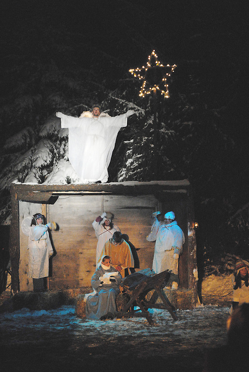 Members of Our Lady of the Lakes Parish in Random Lake, Wis., perform a living Nativity. (Photo by Sam Lucero)
