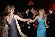 White Knights Ball, Grosvenor House Hotel 7 January 2005. ONE TIME USE ONLY - DO NOT ARCHIVE  © Copyright Photograph by Dafydd Jones 66 Stockwell Park Rd. London SW9 0DA Tel 020 7733 0108 www.dafjones.com
