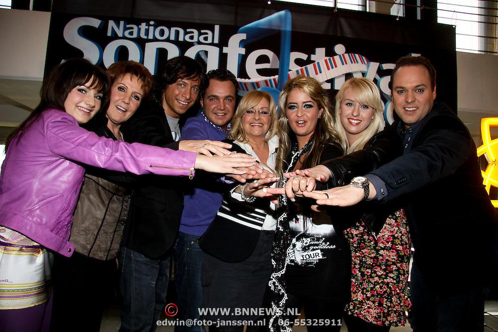 NLD/Bussum/20100122 - Bekendmaking artiesten Nationaal Songfestival 2010, Groepsfoto Artiesten en Protegé's