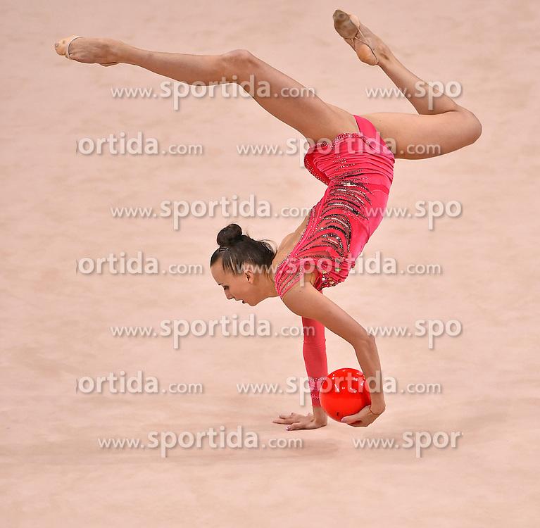 08.09.2015, Porsche Arena, Stuttgart, GER, Gymnastik WM, Gruppe D, im Bild Ganna Rizatdinova (UKR) Ball) // during the World Rhythmic Gymnastics Championships at the Porsche Arena in Stuttgart, Germany on 2015/09/08. EXPA Pictures &copy; 2015, PhotoCredit: EXPA/ Eibner-Pressefoto/ Weber<br /> <br /> *****ATTENTION - OUT of GER*****