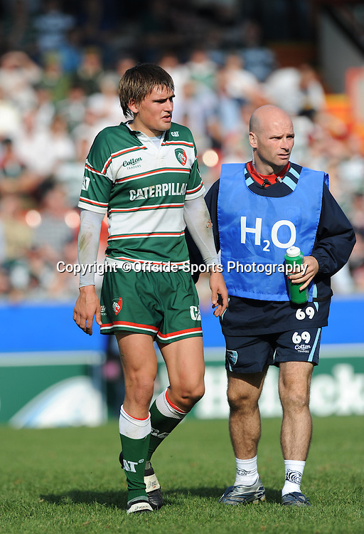12/10/2008. Rugby Union. Heineken Cup, Pool 3. Leicester Tigers v Ospreys. The Leicester and England fly half Toby Flood comes off the field with a leg injury. Leicester, UK. Photo: Offside/Steve Bardens.