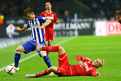 22.09.2015, Olympiastadion, Berlin, GER, 1. FBL, Hertha BSC vs 1. FC Koeln, 6. Runde, im Bild Zweikampf zwischen Valentin Stocker (#14, Hertha BSC Berlin) und Marcel Risse (#7, 1. FC Koeln) // during the German Bundesliga 6th round match between Hertha BSC and 1. FC Cologne at the Olympiastadion in Berlin, Germany on 2015/09/22. EXPA Pictures © 2015, PhotoCredit: EXPA/ Eibner-Pressefoto/ Hundt<br /> <br /> *****ATTENTION - OUT of GER*****