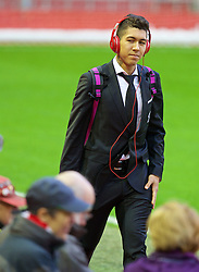 LIVERPOOL, ENGLAND - Boxing Day, Saturday, December 26, 2015: Liverpool's Roberto Firmino arrives before the Premier League match against Leicester City at Anfield. (Pic by David Rawcliffe/Propaganda)
