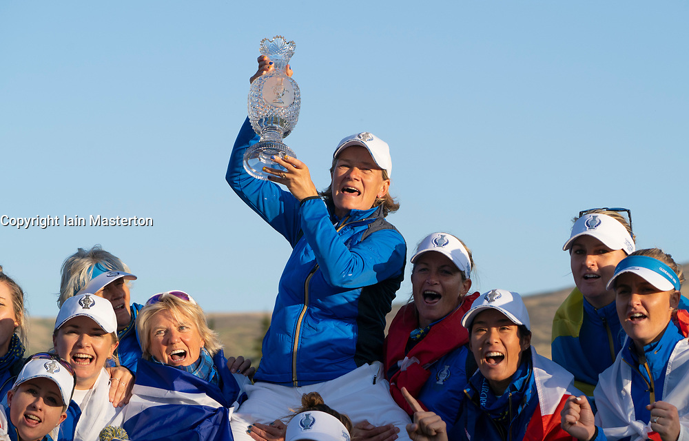 Auchterarder, Scotland, UK. 15 September 2019. Team Europe victorious at 2019 Solheim Cup on Centenary Course at Gleneagles. Pictured; Team Captain Catriona Matthew celebrates with the Solheim Cup. Iain Masterton/Alamy Live News