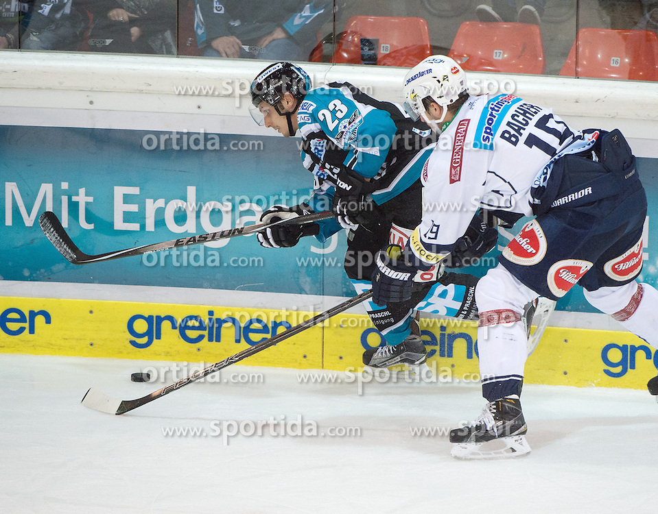 13.10.2015, Keine Sorgen Eisarena, Linz, AUT, EBEL, EHC Liwest Black Wings Linz vs EC VSV, 11. Runde, im Bild Fabio Hofer (EHC Liwest Black Wings Linz) und Stefan Bacher (EC VSV) // during the Erste Bank Icehockey League 11th round match between EHC Liwest Black Wings Linz and EC VSV at the Keine Sorgen Icearena, Linz, Austria on 2015/10/13. EXPA Pictures © 2015, PhotoCredit: EXPA/ Reinhard Eisenbauer