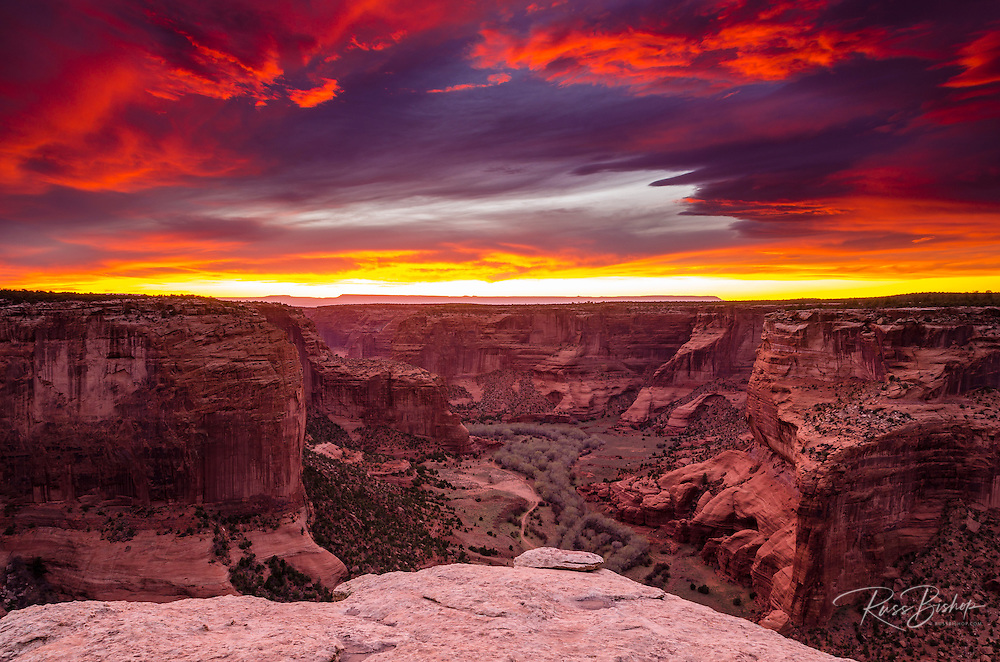 Sunset over Canyon de Chelly, Canyon de Chelly National Monument, Arizona USA