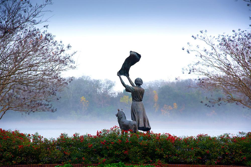 Savannah, Georgia, The Waving Girl Statue, Ship Greeter, Savannah River