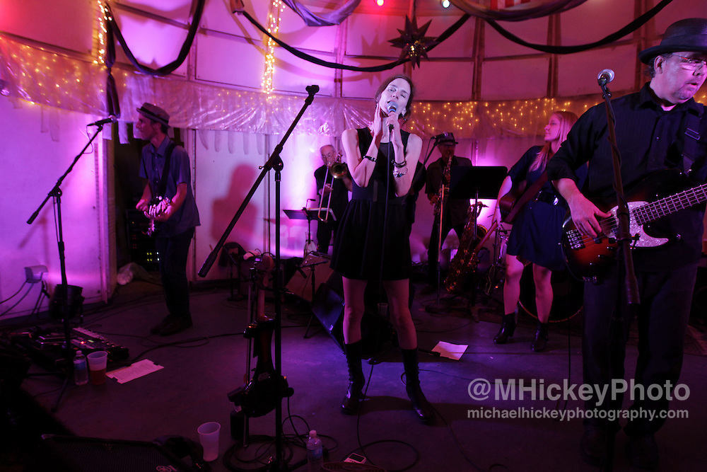 10,000 Maniacs performed at The Rathskeller on Sunday night in Indianapolis, Indiana.