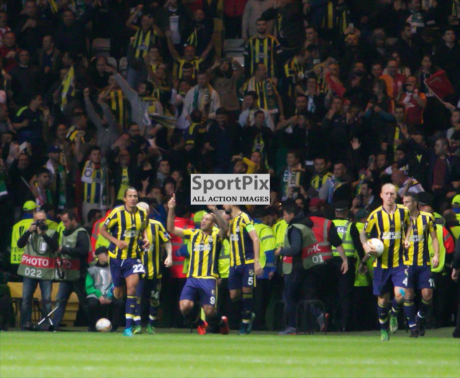 Fernandão celebrates the equalising goal during the Glasgow Celtic FC v Fenerbahçe S.K Europa League Group A 1st October 2015 ©Edward Linton | SportPix.org.uk