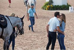 DE LUCA Lorenzo (ITA), SPRINGSTEEN Jessica (USA)<br /> Tryon - FEI World Equestrian Games™ 2018<br /> Impressionen vom Abreiteplatz<br /> FEI World Individual Jumping Championship<br /> Third cometition - Round A<br /> 3. Qualifikation Einzelentscheidung 1. Runde<br /> 23. September 2018<br /> © www.sportfotos-lafrentz.de/Sharon Vandeput