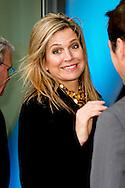 23-11-2015 THE HAGUE - Queen Máxima is Monday November 23 attended the launch of 'The State of SMEs' in the Malietoren in The Hague. With this new independent platform to government, industry and research institutes to improve the knowledge available in the Netherlands SMEs. Besides a platform State of SMEs also collaborating . Koningin Máxima is maandagmiddag 23 november aanwezig bij de lancering van 'De Staat van het MKB' in de Malietoren in Den Haag. Met dit nieuwe onafhankelijke platform willen overheid, bedrijfsleven en kennisinstellingen de in Nederland beschikbare kennis over het midden- en kleinbedrijf verbeteren. Naast een platform is De Staat van het MKB ook een samenwerkingsverband. COPYRIGHT ROBIN UTRECHT