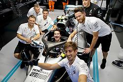 September 16, 2018 - Singapore, Singapore - Motorsports: FIA Formula One World Championship 2018, Grand Prix of Singapore, . British comedian Jimmy Carr in the garage of  Mercedes AMG Petronas Motorsport  (Credit Image: © Hoch Zwei via ZUMA Wire)