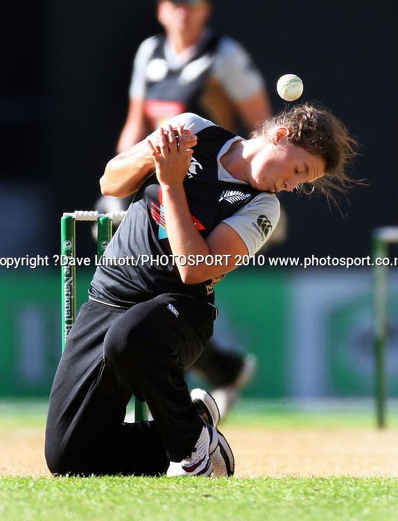 NZ bowler Kate Broadmore.<br /> Women's International Twenty20 cricket match - New Zealand White Ferns v Australia Southern Stars at Westpac Stadium, Wellington. Friday, 26 February 2010. Photo: Dave Lintott/PHOTOSPORT