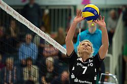 17-10-2014 GER: USC Muenster - Dresdner SC, Munster<br /> Vriendschappelijke wedstrijd / Laura Dijkema (#7 Dresden)