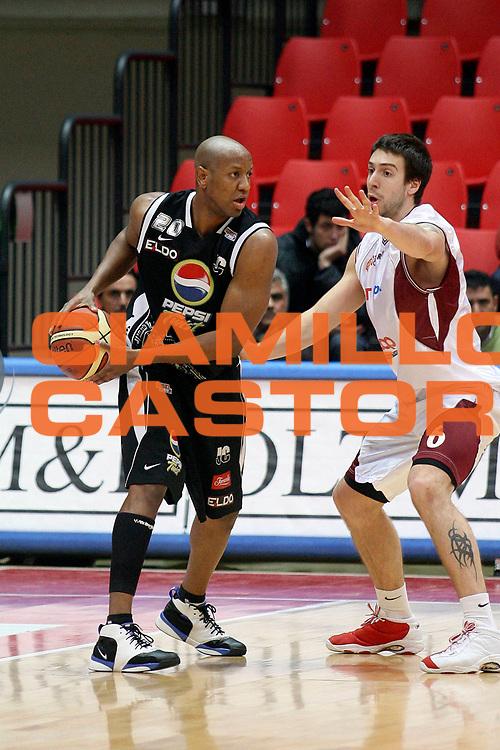 DESCRIZIONE : Livorno Lega A2 2007-08 TDShop.it Livorno Pepsi Caserta<br /> GIOCATORE : Tutt Raymond<br /> SQUADRA : Pepsi Caserta<br /> EVENTO : Campionato Lega A2 2007-2008<br /> GARA : TDShop.it Livorno Pepsi Caserta<br /> DATA : 27/01/2008<br /> CATEGORIA : Passaggio<br /> SPORT : Pallacanestro<br /> AUTORE : Agenzia Ciamillo-Castoria/Stefano D'Errico