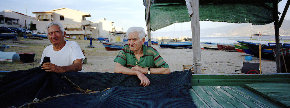 ex pescatori a Ganzirri frazione del comune di Messina.<br /> <br /> ex fishermen in Ganzirri stretto di Messina  (Messina)