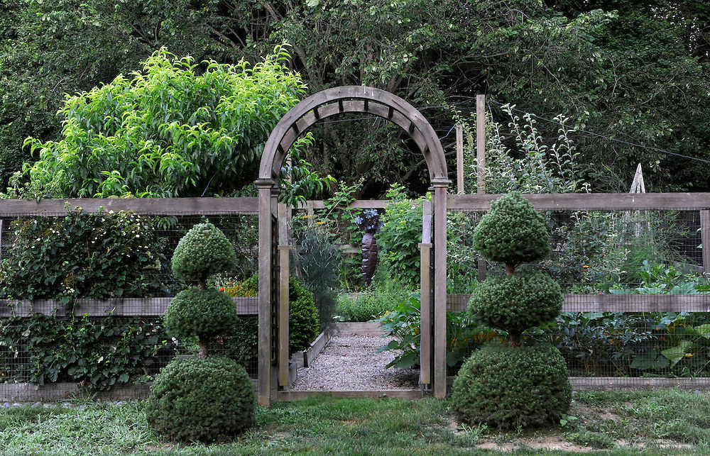 VEGETABLE GARDEN WITH BOXWOOD TOPIARY