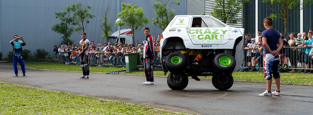 CrazyCar slalom on two wheels