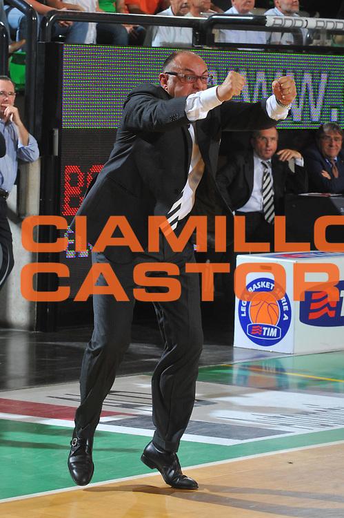 DESCRIZIONE : Treviso Lega A 2008-09 Playoff Quarti di finale Gara 5 Benetton Treviso La Fortezza Virtus Bologna<br /> GIOCATORE : Matteo Boniciolli<br /> SQUADRA : La Fortezza Virtus Bologna<br /> EVENTO : Campionato Lega A 2008-2009<br /> GARA : Benetton Treviso La Fortezza Virtus Bologna<br /> DATA : 27/05/2009<br /> CATEGORIA : Esultanza Ritratto<br /> SPORT : Pallacanestro<br /> AUTORE : Agenzia Ciamillo-Castoria/M.Gregolin